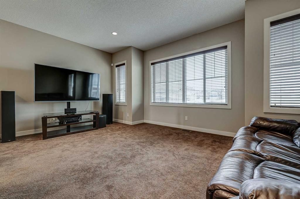Photo 19: Photos: 200 EVERBROOK Drive SW in Calgary: Evergreen Detached for sale : MLS®# A1102109