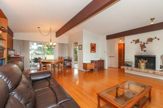 """Photo 4: 6882 YEOVIL Place in Burnaby: Montecito House for sale in """"Montecito"""" (Burnaby North)  : MLS®# V1119163"""