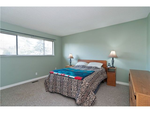 """Photo 5: Photos: 19860 N WILDWOOD Crescent in Pitt Meadows: South Meadows House for sale in """"WILDWOOD"""" : MLS®# V995390"""