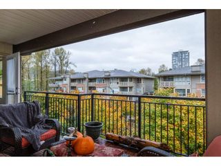 "Photo 14: 410 700 KLAHANIE Drive in Port Moody: Port Moody Centre Condo for sale in ""BOARDWALK"" : MLS®# R2117002"
