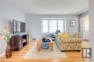 Photo 6: 703 Cambridge Street in Winnipeg: River Heights Residential for sale (1D)  : MLS®# 1823144