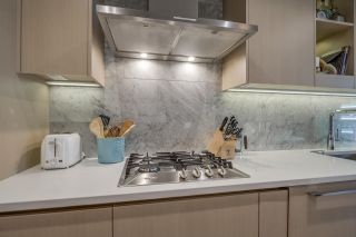 """Photo 2: 507 89 NELSON Street in Vancouver: Yaletown Condo for sale in """"The Arc"""" (Vancouver West)  : MLS®# R2579988"""