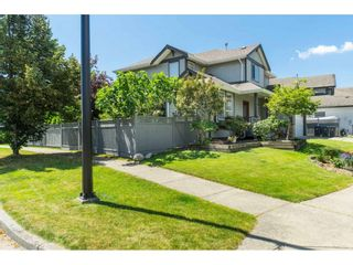 """Photo 3: 16648 62A Avenue in Surrey: Cloverdale BC House for sale in """"West Cloverdale"""" (Cloverdale)  : MLS®# R2477530"""