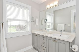 "Photo 16: 21038 77A Avenue in Langley: Willoughby Heights Condo for sale in ""IVY ROW"" : MLS®# R2474522"