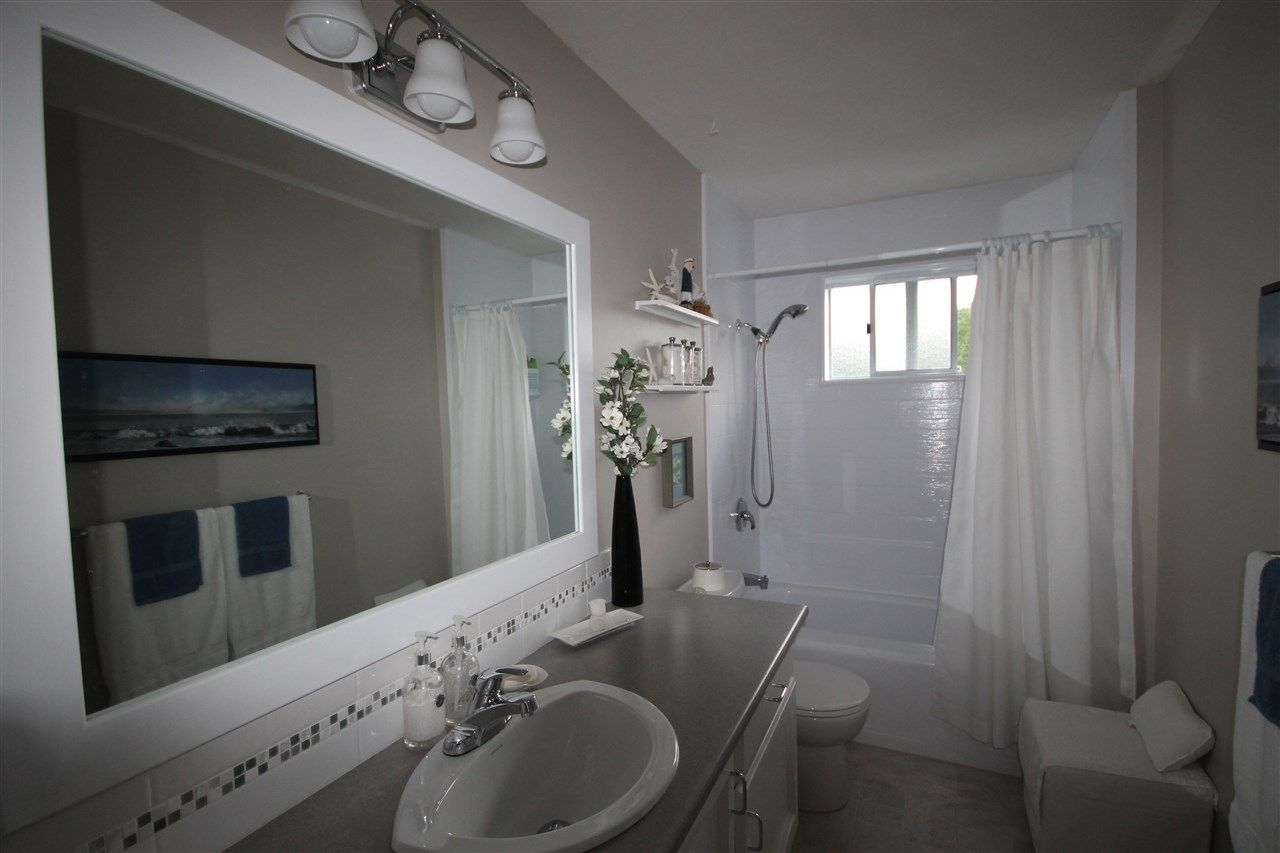 Photo 10: Photos: 1938 154A Street in Surrey: King George Corridor House for sale (South Surrey White Rock)  : MLS®# R2015886