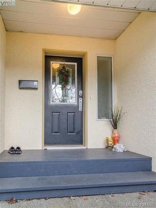 Photo 3: 411 Powell St in VICTORIA: Vi James Bay Half Duplex for sale (Victoria)  : MLS®# 803949