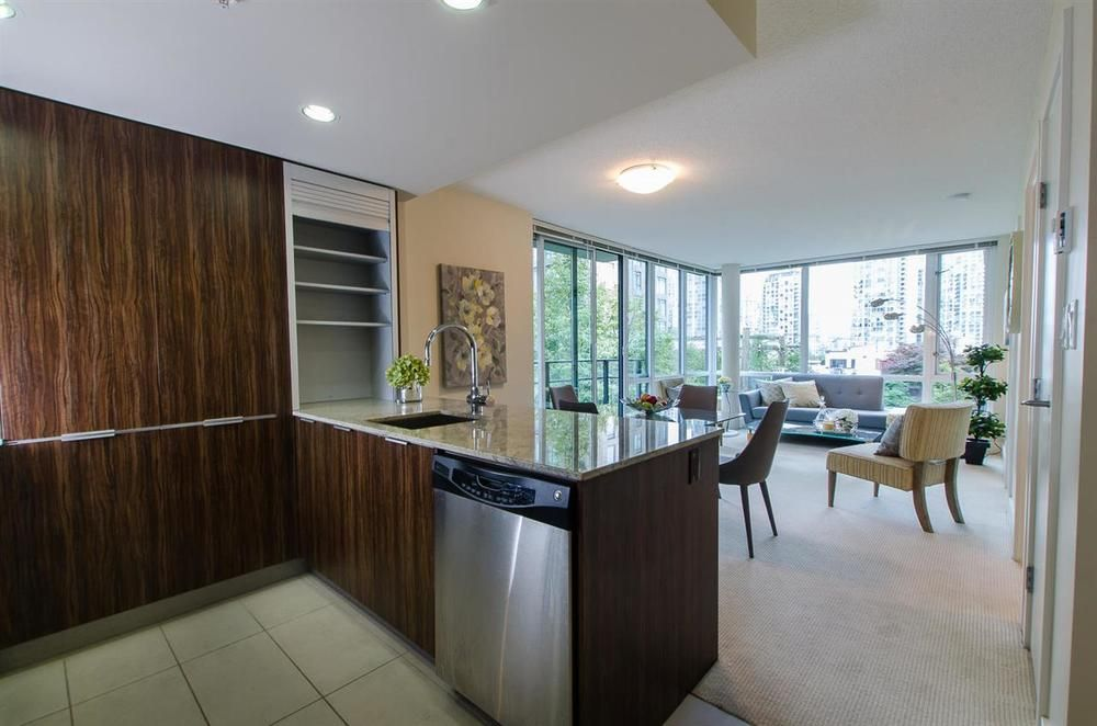 Main Photo: 413 1088 RICHARDS STREET in Vancouver West: Home for sale : MLS®# R2107403