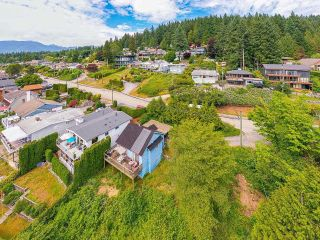 Photo 9: 940 IOCO Road in Port Moody: Barber Street House for sale : MLS®# R2597427