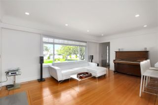 Photo 3: 4840 SOUTHLAWN Drive in Burnaby: Brentwood Park House for sale (Burnaby North)  : MLS®# R2481873