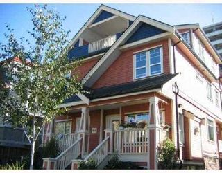 """Photo 1: 1730 E GEORGIA Street in Vancouver: Hastings Townhouse for sale in """"GEORGIA COURT"""" (Vancouver East)  : MLS®# V682449"""