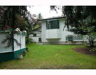 Photo 9: 517 OAKRIDGE Way SW in CALGARY: Oakridge Residential Detached Single Family for sale (Calgary)  : MLS®# C3387070