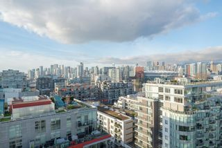 "Photo 2: 1604 1708 ONTARIO Street in Vancouver: Mount Pleasant VE Condo for sale in ""PINNACLE ON THE PARK"" (Vancouver East)  : MLS®# R2524538"