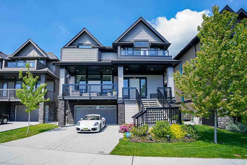 FEATURED LISTING: 3563 SHEFFIELD Avenue Coquitlam
