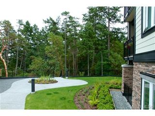 Photo 17: 207 286 Wilfert Rd in VICTORIA: VR Six Mile Condo for sale (View Royal)  : MLS®# 647960