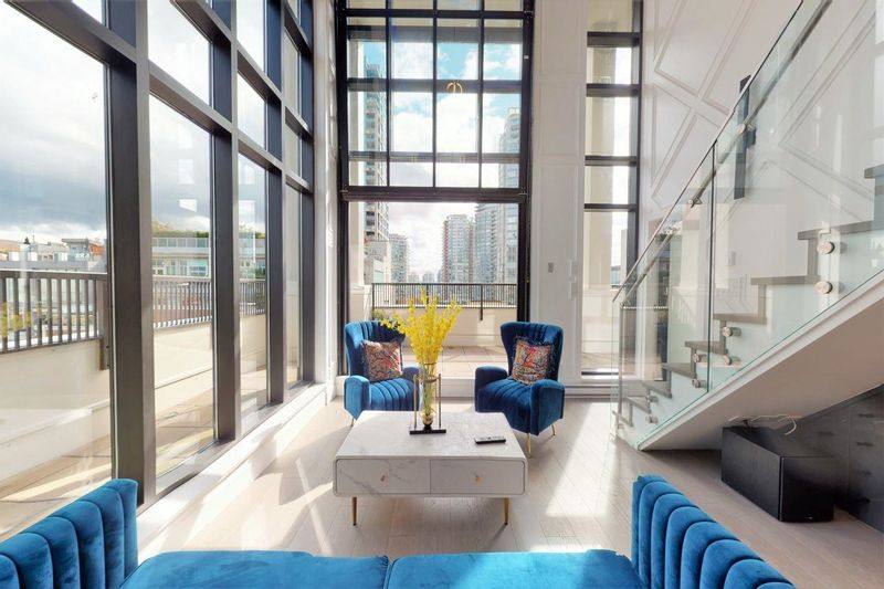 FEATURED LISTING: 703 - 531 BEATTY Street Vancouver