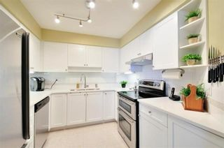 """Photo 8: 104 15111 RUSSELL Avenue: White Rock Condo for sale in """"Pacific Terrace"""" (South Surrey White Rock)  : MLS®# R2545193"""