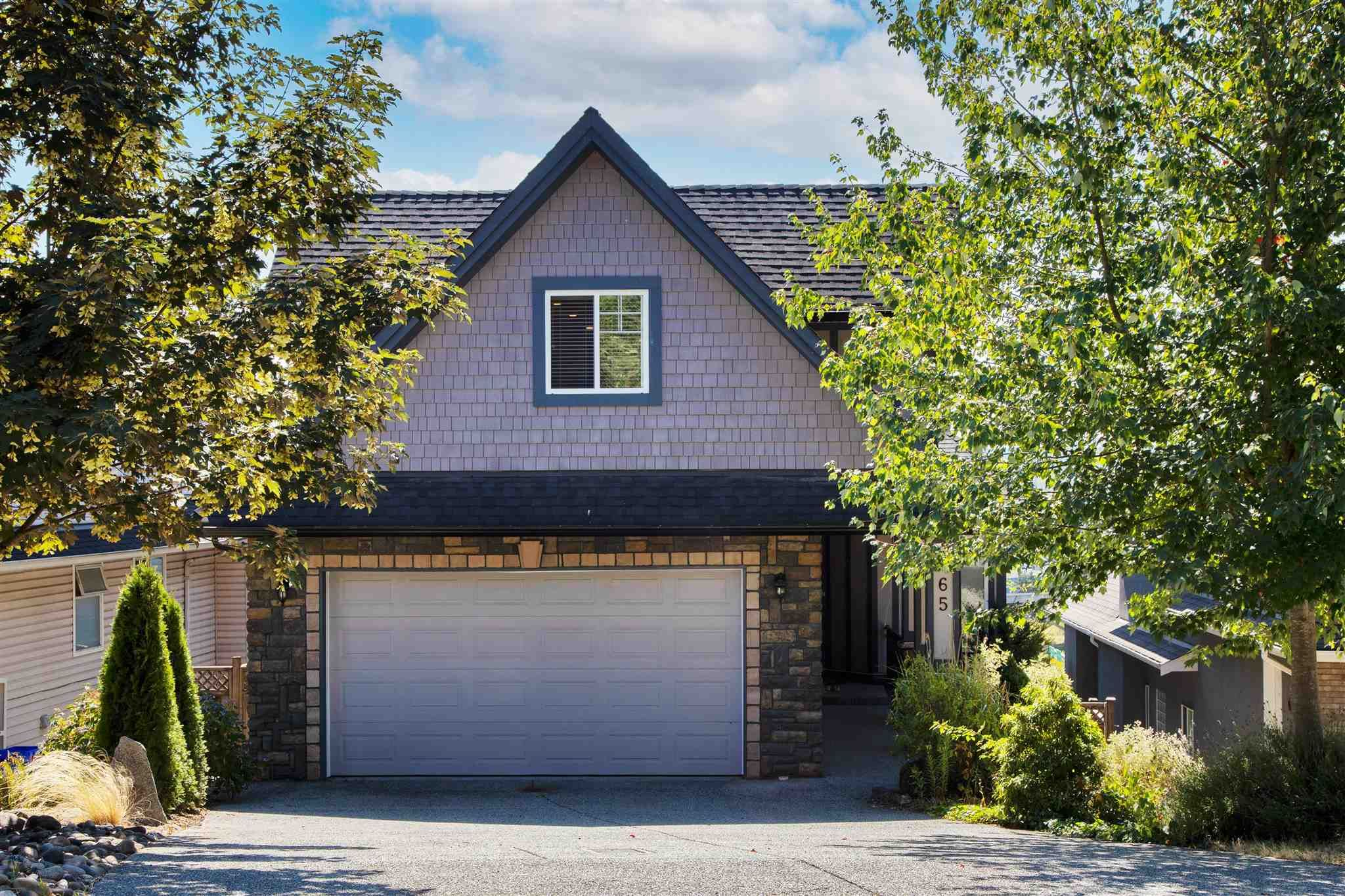 Main Photo: 165 WARRICK Street in Coquitlam: Cape Horn House for sale : MLS®# R2608916