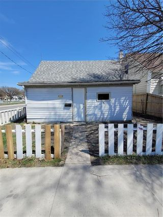 Photo 1: 781 Alfred Avenue in Winnipeg: North End Residential for sale (4A)  : MLS®# 202111749
