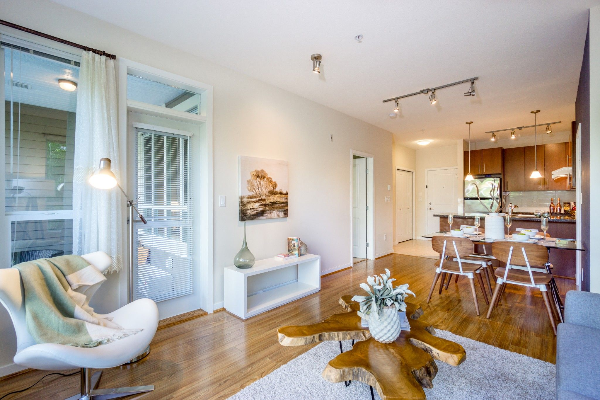 Photo 3: Photos: 208 3551 FOSTER Avenue in Vancouver: Collingwood VE Condo for sale (Vancouver East)  : MLS®# R2291555
