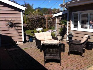 """Photo 9: 1296 PINEWOOD CR in North Vancouver: Norgate House for sale in """"NORGATE"""" : MLS®# V987658"""