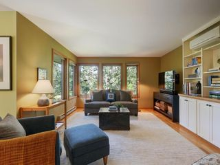 Photo 3: 462 Cromar Rd in North Saanich: NS Deep Cove House for sale : MLS®# 844833