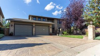 Photo 2: 331 Emerald Court in Saskatoon: Lakeview SA Residential for sale : MLS®# SK870648