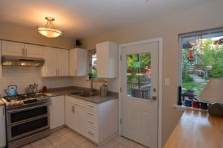 Photo 6: 48 GAMMA Avenue in Burnaby: Capitol Hill BN House for sale (Burnaby North)  : MLS®# R2368448