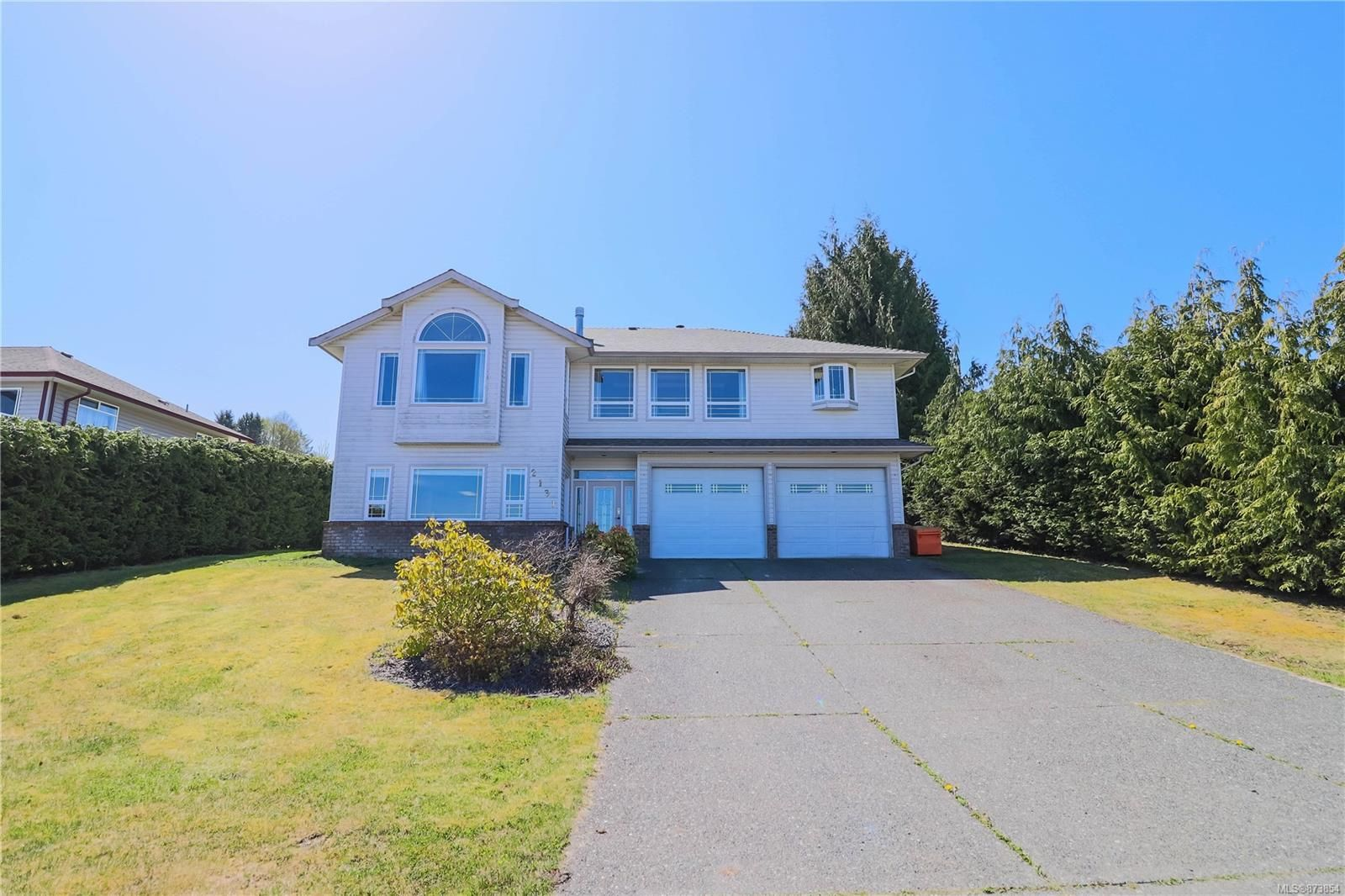 Main Photo: 2131 Northland Rd in : NI Port McNeill House for sale (North Island)  : MLS®# 873854