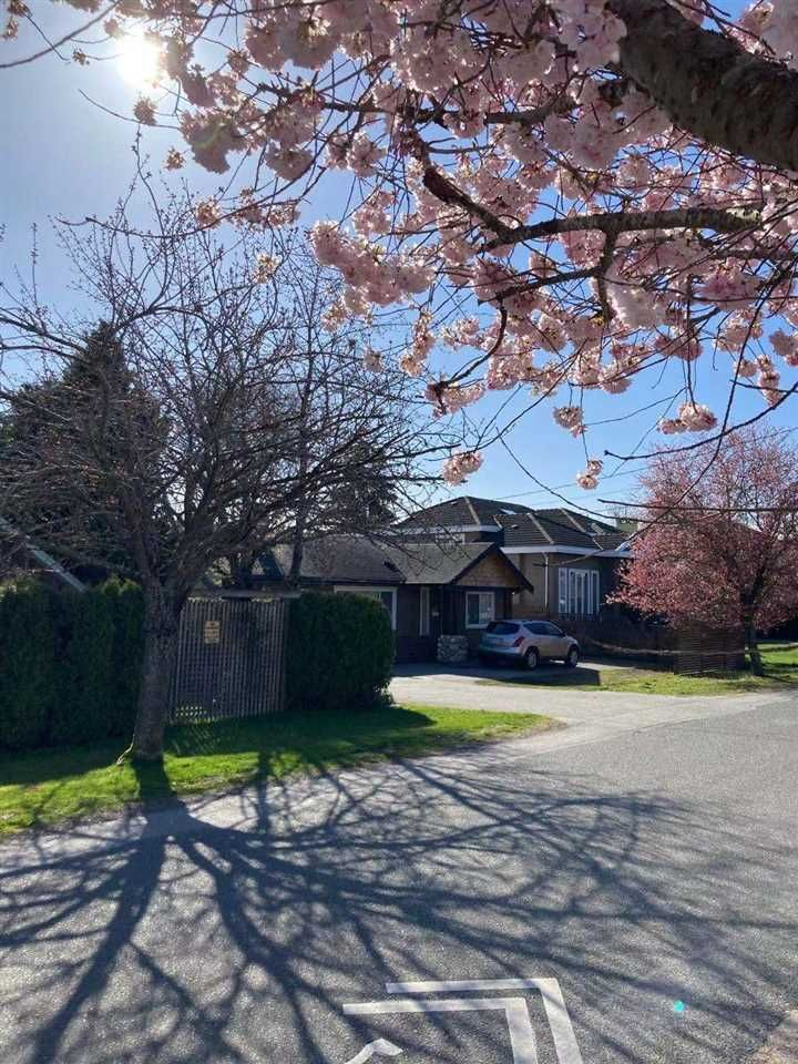 Main Photo: 8060 DALEMORE Road in Richmond: Seafair House for sale : MLS®# R2562954