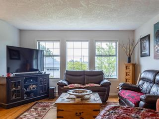 Photo 2: 22 2560 Wilcox Terr in Central Saanich: CS Tanner Row/Townhouse for sale : MLS®# 843974
