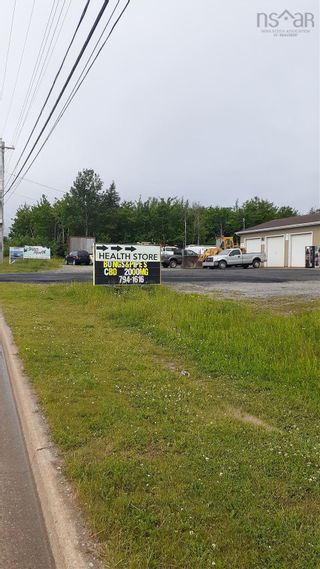Photo 2: 94 Memorial Drive in North Sydney: 205-North Sydney Commercial for sale (Cape Breton)  : MLS®# 202124827