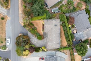 Photo 4: 3774 Overlook Dr in : Na Hammond Bay House for sale (Nanaimo)  : MLS®# 883880