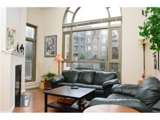 Photo 2: 106 3070 GUILDFORD Way in Coquitlam: North Coquitlam Condo for sale : MLS®# V990045