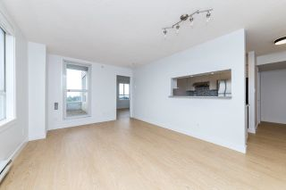"""Photo 7: 1304 3455 ASCOT Place in Vancouver: Collingwood VE Condo for sale in """"Queens Court"""" (Vancouver East)  : MLS®# R2608470"""