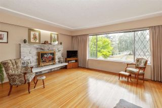 Photo 2: 561 W 65TH Avenue in Vancouver: Marpole House for sale (Vancouver West)  : MLS®# R2516729