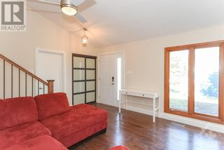 Photo 6: 102 STARWOOD ROAD UNIT#A in Ottawa: House for rent