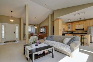 Photo 4: 2029 Haley Rae Pl in : La Thetis Heights House for sale (Langford)  : MLS®# 873407
