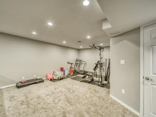 Photo 36: 2312 Sandhurst Avenue SW in Calgary: Scarboro/Sunalta West Detached for sale : MLS®# A1100127