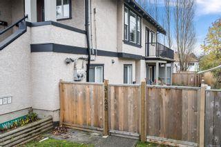 Photo 2: 3125 Irma St in : Vi Burnside Row/Townhouse for sale (Victoria)  : MLS®# 870031