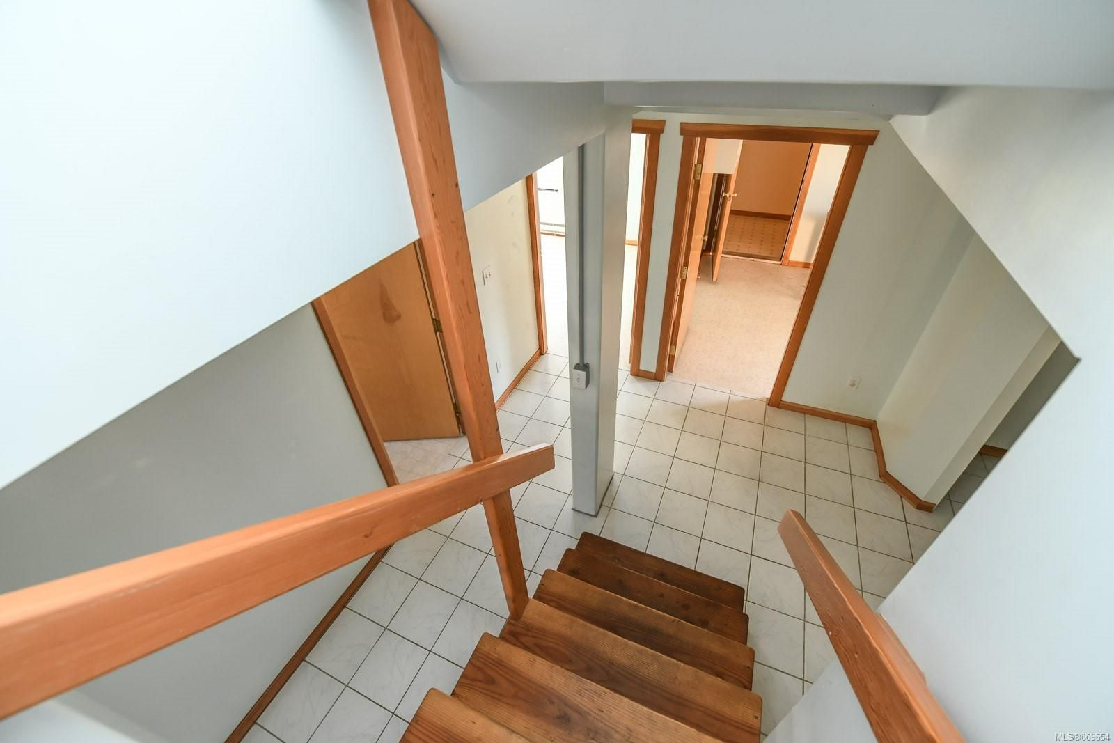 Photo 16: Photos: 4712 Cumberland Rd in : CV Cumberland House for sale (Comox Valley)  : MLS®# 869654