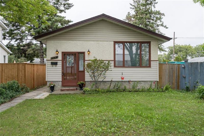 FEATURED LISTING: 531 Pandora Avenue West Winnipeg
