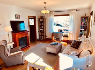 Photo 2: 911 20 Avenue SE in Calgary: Ramsay Detached for sale : MLS®# A1097998