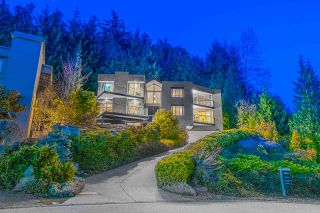 Photo 1: 4839 NORTHWOOD Place in West Vancouver: Cypress Park Estates House for sale : MLS®# R2565827