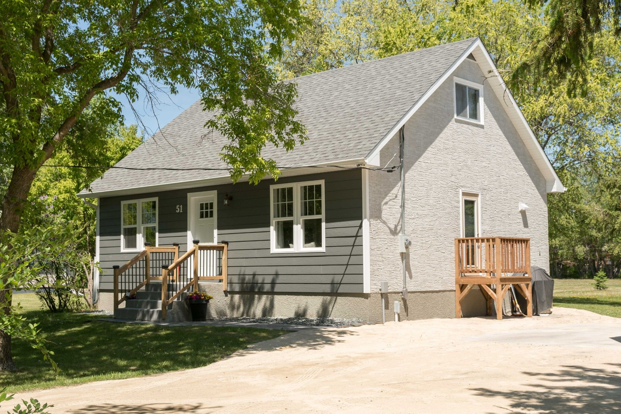 Main Photo: 51 McLennan Road: St. Andrews Single Family Detached for sale (R13)  : MLS®# 1915313