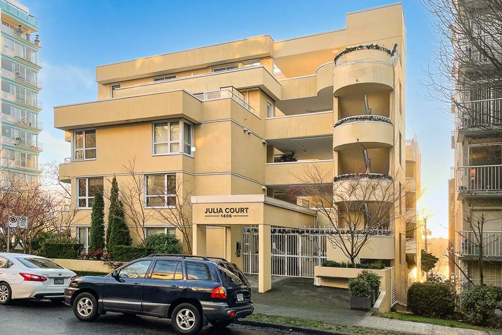 """Main Photo: 401 1406 HARWOOD Street in Vancouver: West End VW Condo for sale in """"JULIA COURT"""" (Vancouver West)  : MLS®# R2568055"""