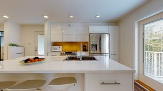 Photo 4: 5097 BETTY Road in Sechelt: Sechelt District House for sale (Sunshine Coast)  : MLS®# R2588969