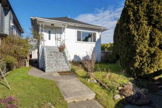 Photo 1: 3389 VENABLES Street in Vancouver: Renfrew VE House for sale (Vancouver East)  : MLS®# R2537152