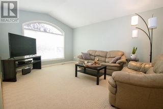 Photo 3: 14 Taylor Drive in Lacombe: House for sale : MLS®# A1131183