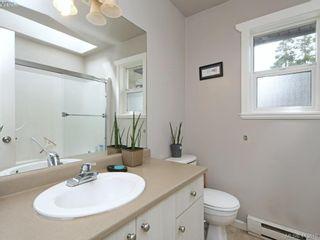 Photo 2: 1 3149 Jackson St in VICTORIA: Vi Mayfair Half Duplex for sale (Victoria)  : MLS®# 820153