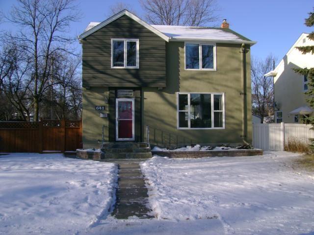 Main Photo: 641 Waterloo Street in WINNIPEG: River Heights / Tuxedo / Linden Woods Residential for sale (South Winnipeg)  : MLS®# 1200320